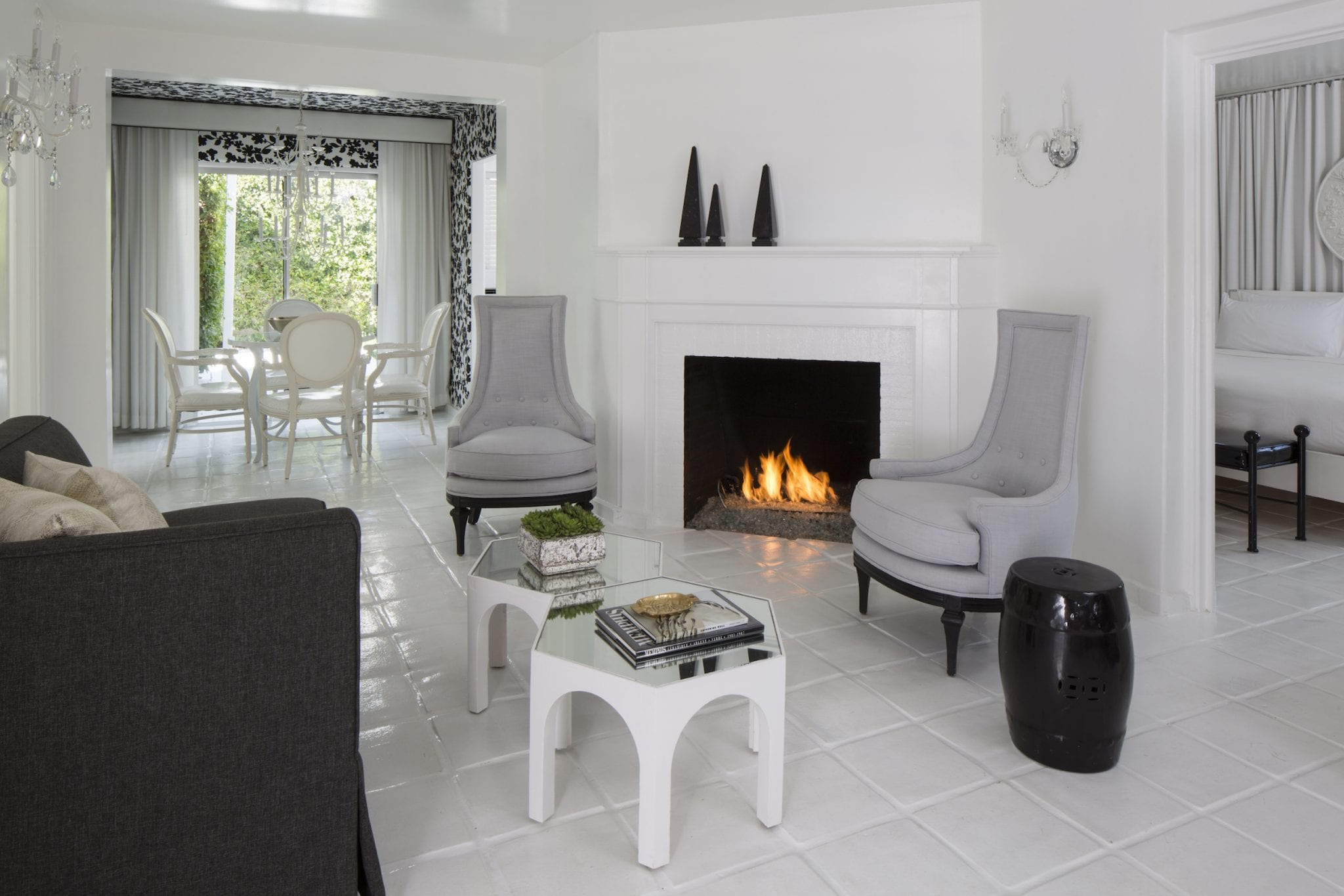 Room with fireplace, chairs and table
